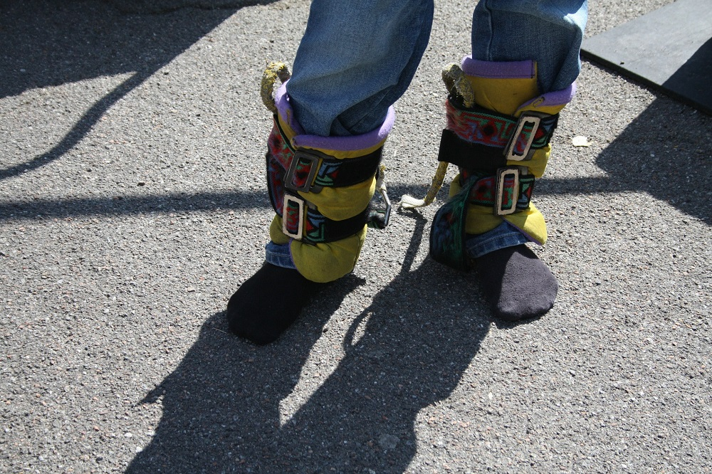 bungee-jumping-foot-straps