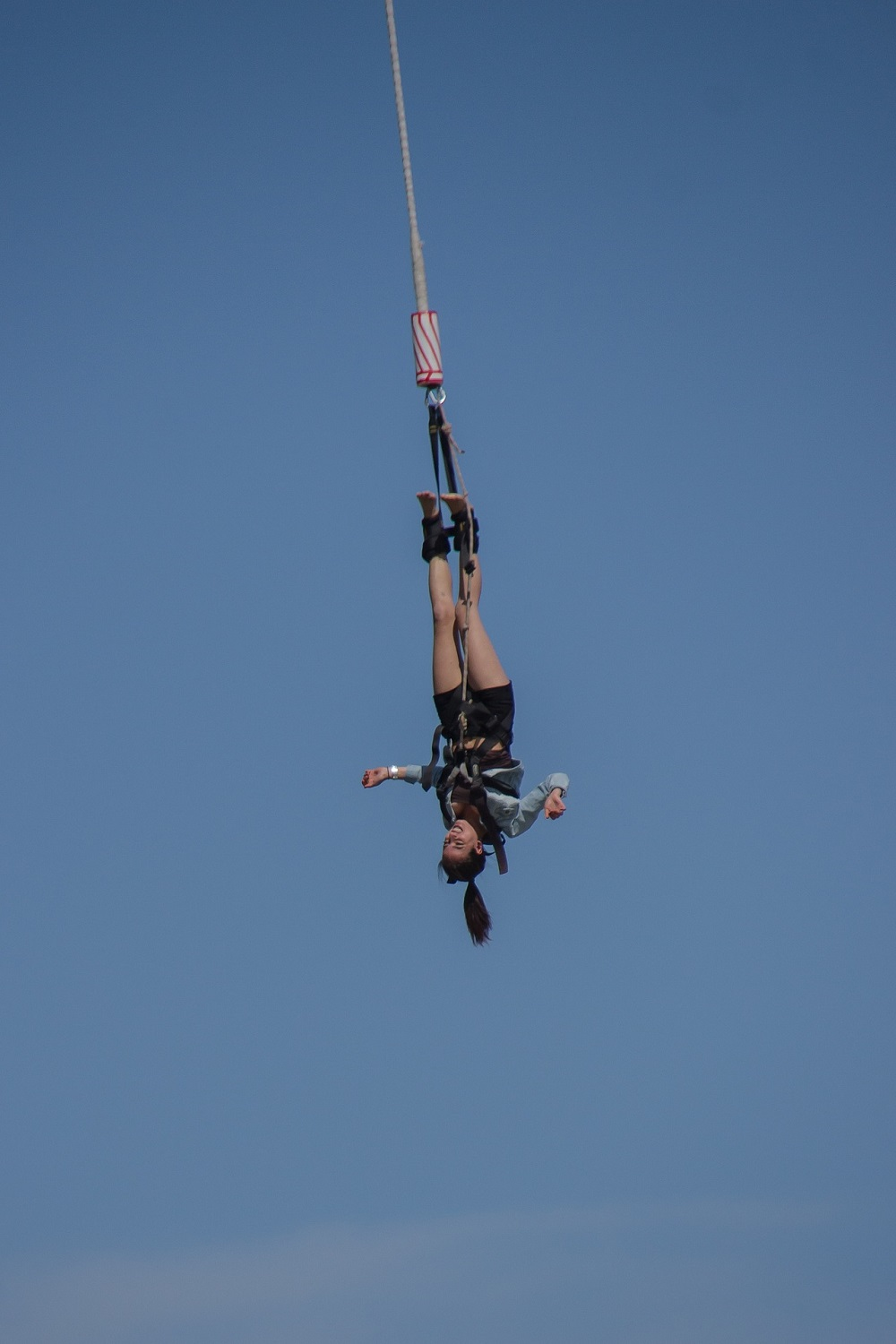 bungee-jumping-straight-down