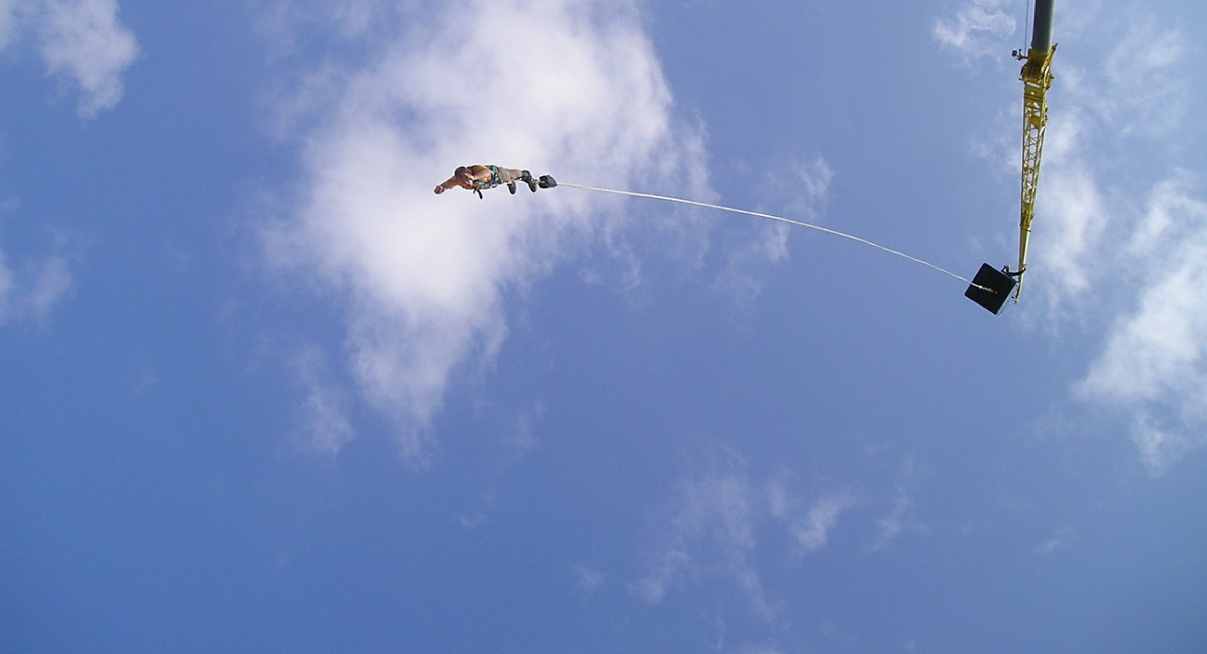 cropped-bungee-jumping-from-a-crane-1.jpg