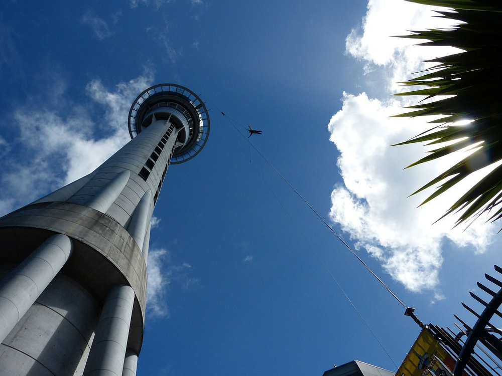 sky-tower-bungee-jumping
